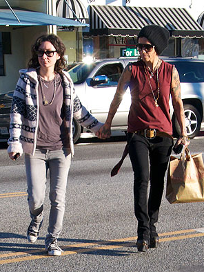 Sara Gilbert and Linda Perry Step Out as a Couple