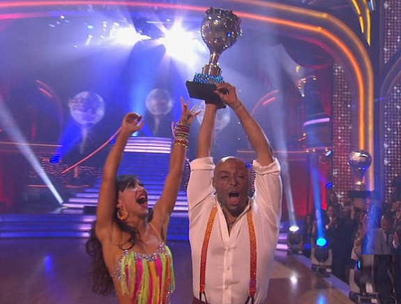 J.R. Martinez and Karina Smirnoff - Champs Photos - DWTS