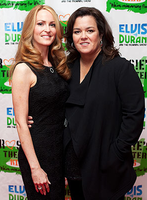 PHOTO: Rosie O&#8217;Donnell is Engaged To Michelle Rounds!