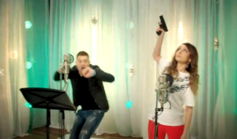 SNL: Michael Buble 'Duets' Video is a RIOT!