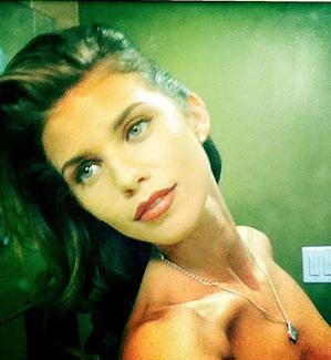 AnnaLynne McCord Twit Pic - TOPLESS