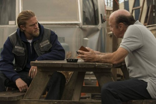 "Sons of Anarchy Season 5 Episode 13 ""J'ai Obtenu Cette"" Live Recap 12/4/12"