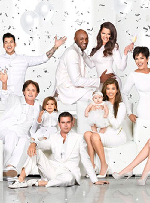The Kardashians Reveal Their New Christmas Holiday Photo - It's Not All Bad!