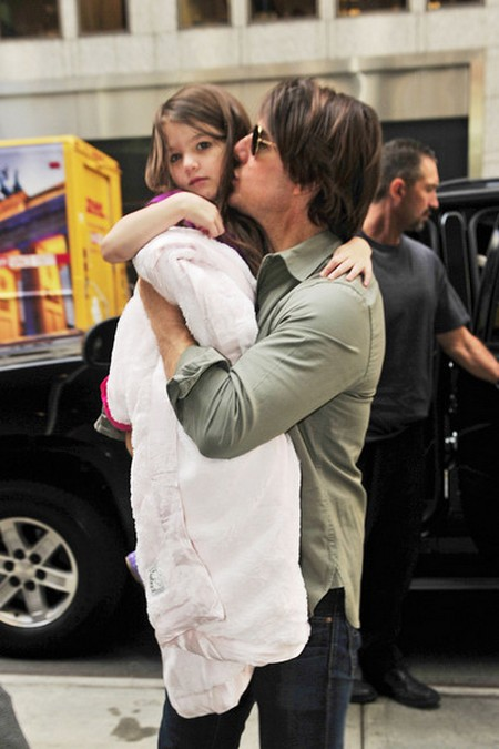 Tom Cruise Seeking Visitation of Daughter Suri