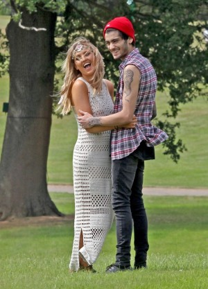 Zayn Malik Dumps Perrie Edwards, Break Up Ends Engagement