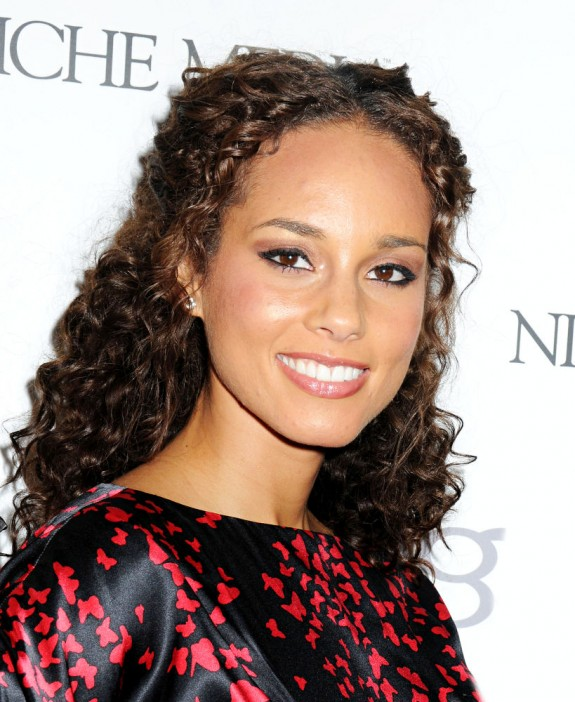Alicia Keys Reveals New Album Title 'Girl On Fire': 'And That's Exactly How I Feel'