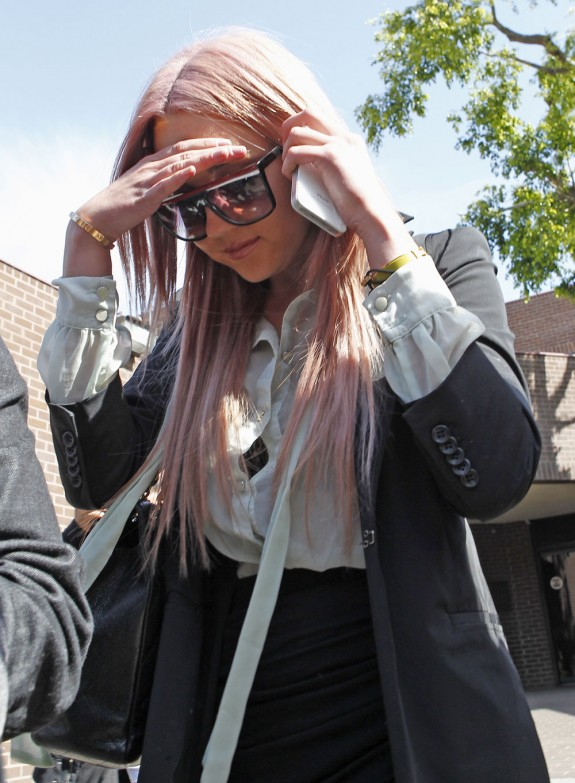 Amanda Bynes Ready To Sue Magazine For Printing A Naked 'Fake Story', Adds They Should Respect Her Privacy
