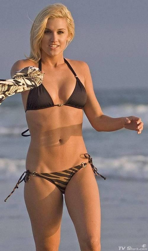 ashley roberts