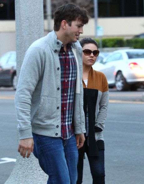 Mila Kunis Discusses Pregnancy, Says She Will Have Natural Birth