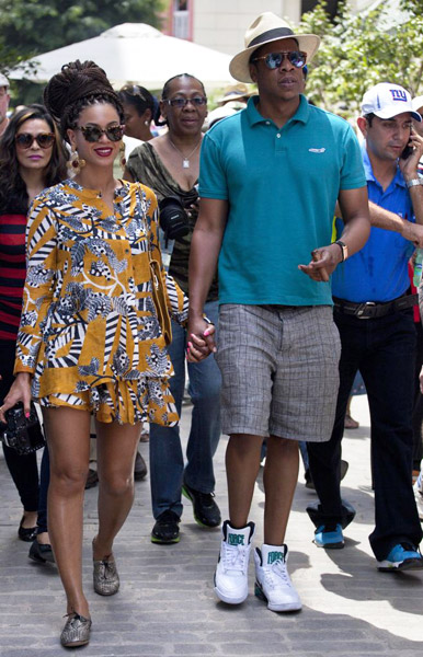 Beyonce & Jay-Z Moving To An Island To Get Away From Haters