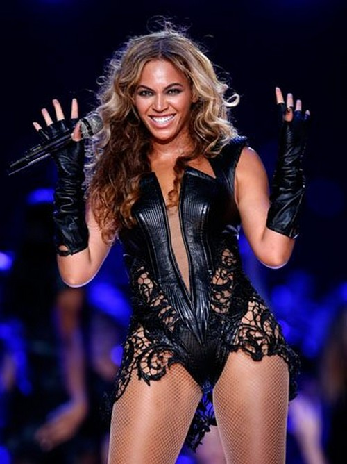 Beyonce's Team Demands Ugly Super Bowl Pictures Be Taken Down!