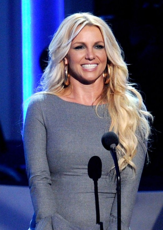 britney spears at whitney houston tribute
