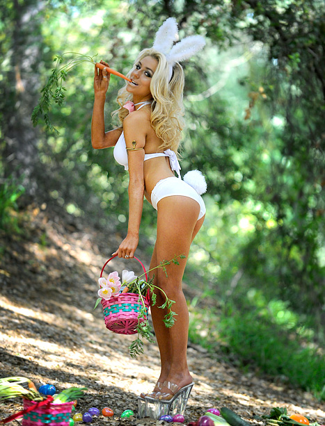 Happy Easter From Courtney Stodden In Skimpy Bunny Lingerie (Photo)