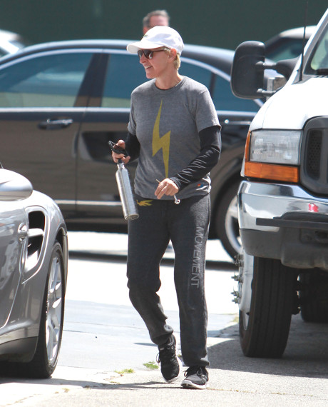 Ellen DeGeneres At War With Kris Jenner - Cat Fight!