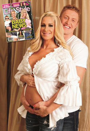 Kim Zolciak Bares Her Big Baby Bump