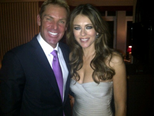 Elizabeth Hurley Engaged to Shane Warne – PHOTOS