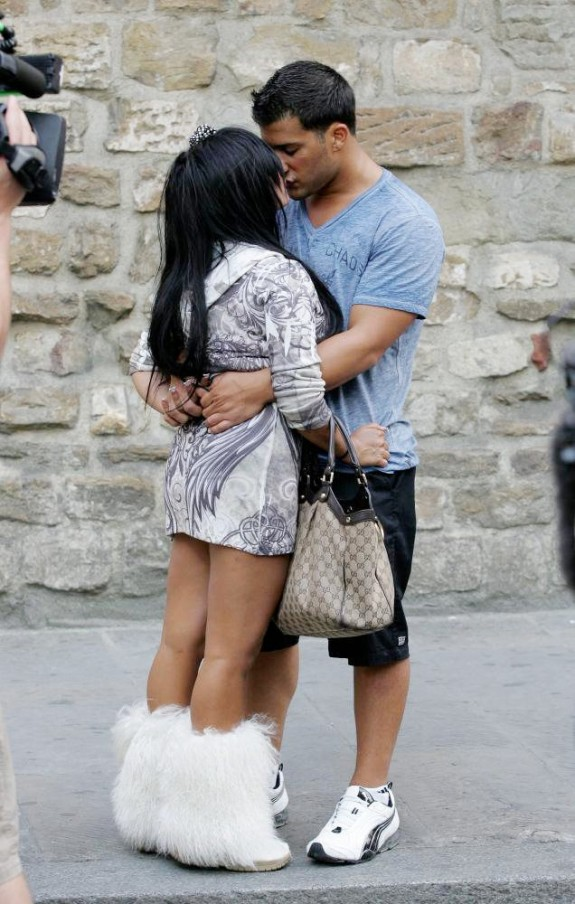 Snooki Denies Reports She Only Wants To Marry Jionni LaValle For Money
