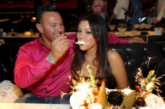 Jersey Shore&#8217;s JWoww Reveals She&#8217;ll Fly Out 500 People To Las Vegas Wedding