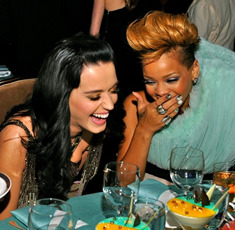 Katy Perry Speaks Out Against Rihanna, Won't Be The First To Apologize