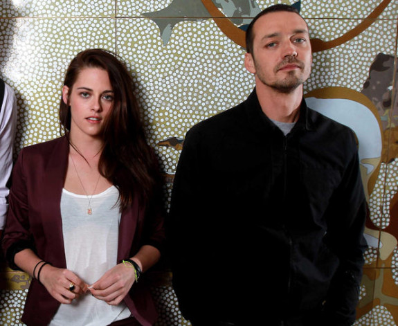 Rupert Sanders&#8217; Father Says K-Stew Fling Wasn&#8217;t Anything Serious, Adds That Family Will Get Through It