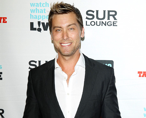 lance bass red carpet