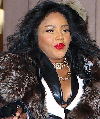 Lil Kim Furious Over Blogs Sabotaging Her Image, Starts Filing Lawsuits Against Several