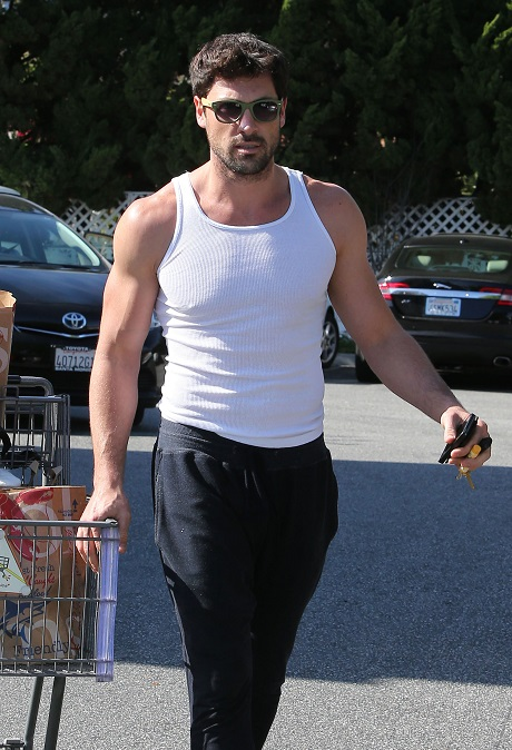 Maksim Chmerkovskiy Picking Up Groceries At Bristol Farms