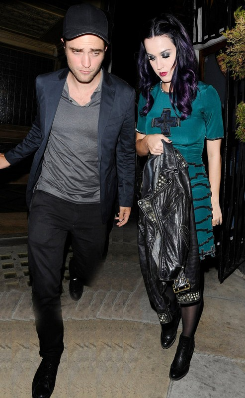 Katy Perry and Robert Pattinson&#8217;s Bond Gets Tighter