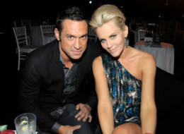 Jenny McCarthy is Single Again, Back to Jim Carrey?
