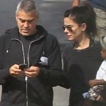 Sandra Bullock And George Clooney Flirt, Sandra Denies Dating Rumors