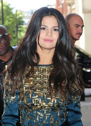 Selena Gomez And Brooklyn Beckham Dating Rumors Cause Break-Up With Chloe Grace Moretz – Brooklyn In Love With SelGo!