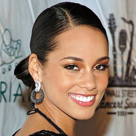 Alicia Keys Talks Reuniting With Estranged Father