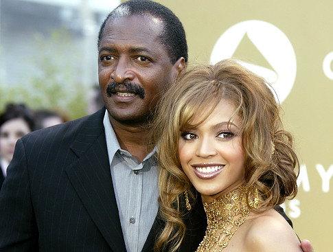 SINGER BEYONCE KNOWLES AND FATHER MATTHEW KNOWLES ARRIVE AT GRAMMY AWARDS