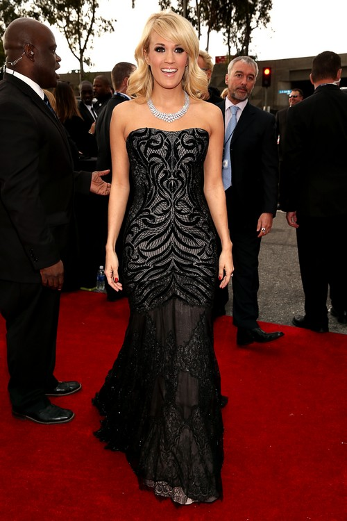 Carrie-Underwood-2013-Grammy-Awards-Red-Carpet-Arrival