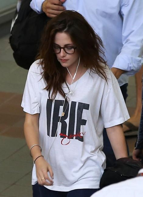 Kristen Stewart Departs from LAX