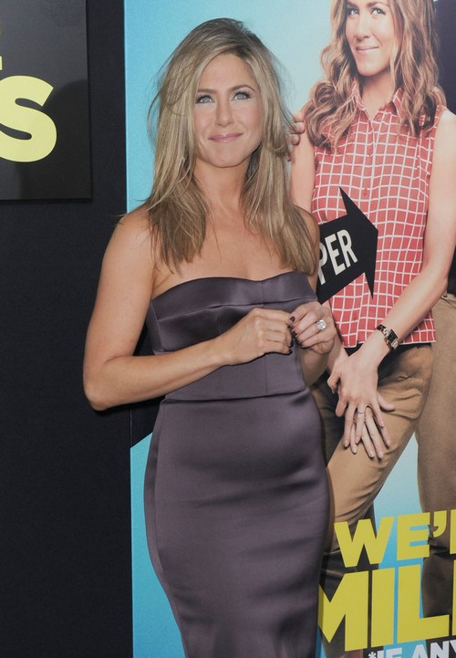 jennifer aniston is not pregnant just a little fat she