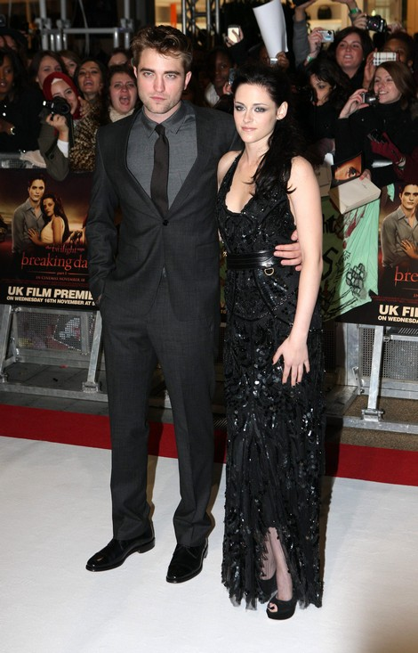 Breaking News: Robert Pattinson Forgives Adulteress Kristen Stewart!