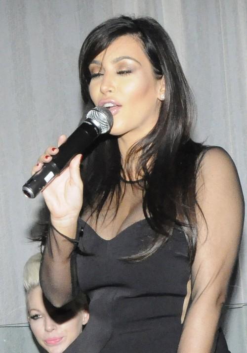 Pregnant Kim Kardashian Parties At Life Star Nightclub