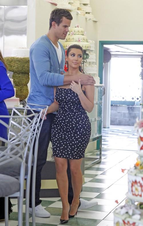 Kim Kardashian Refuses To Return Kris Humphries Engagement Ring