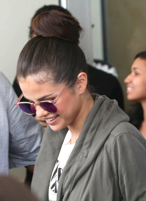 Selena Gomez Confirms Justin Bieber Split