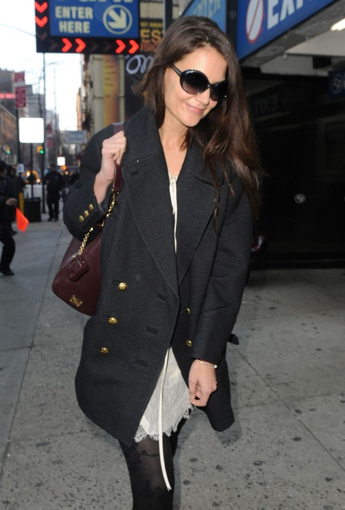 Katie Holmes Wants To Date But Is Afraid To Loser Her Independence