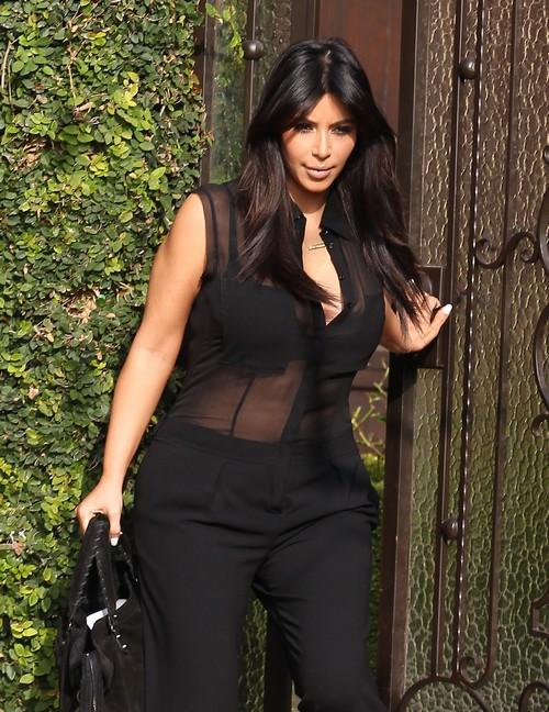 Kim Kardashian Asks Judge for IMMEDIATE Divorce For Health Of Her Baby
