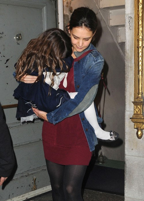 Katie Holmes to Spoil Suri Cruise This Christmas - $50,000 in Gifts