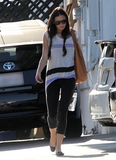 Demi Moore Devastated When Mila Kunis Answered Ashton Kutcher's Phone
