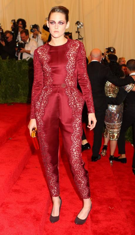 Kristen Stewart Showed Up Alone At Met Gala - Dumped By Robert Pattinson Again? (Photo)