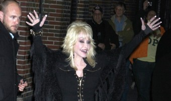 Dolly Parton Is Very Worried About Miley Cyrus: Thinks She is A Lost Child