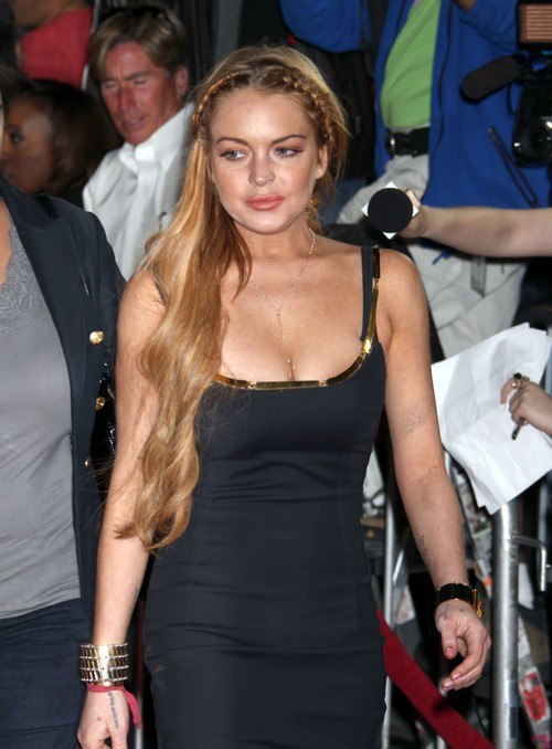 Lindsay Lohan Quietly Had Her Porsche Towed