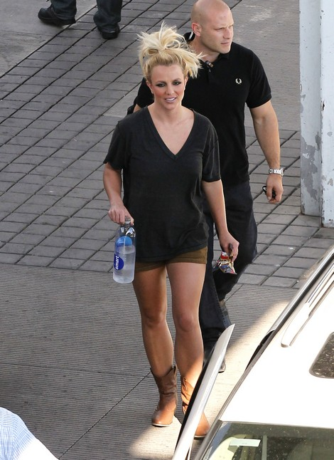 Britney Spears Settles Sexual Harassment Lawsuit - Does She Admit Guily?