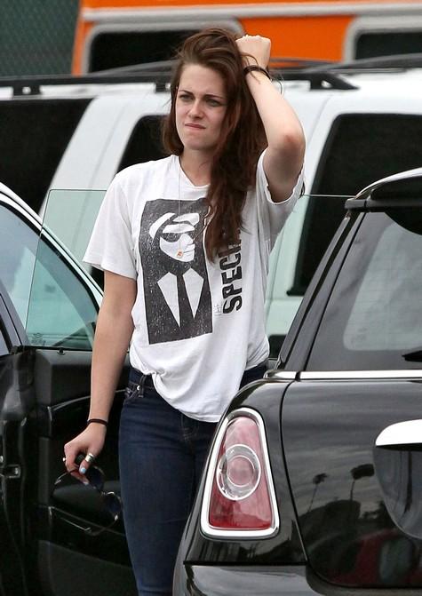 Kristen Stewart Admits Her Relationship Is Over With Robert Pattinson