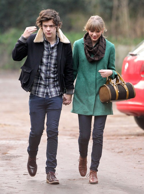 is taylor swift still dating harry styles In recent months, harry styles has been making major strides as a solo artist, apart from band one direction in fact, his debut album, which is self-titled, is set to be released may 12, 2017.
